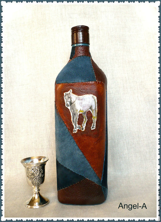 """Декоративная посуда ручной работы. Ярмарка Мастеров - ручная работа. Купить Бутылка для виски """"Белый конь"""". Handmade. Комбинированный"""