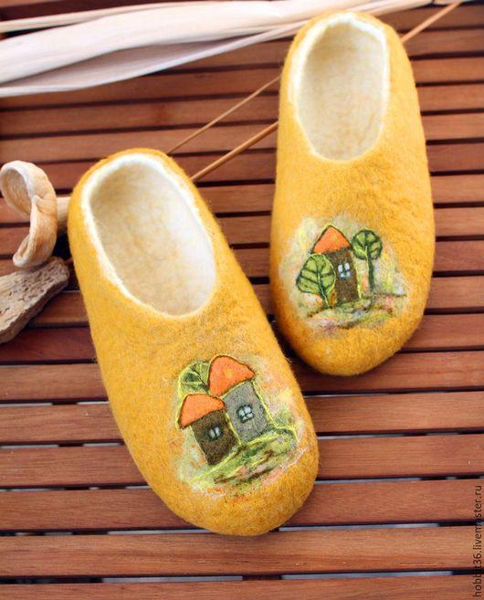"""Обувь ручной работы. Ярмарка Мастеров - ручная работа. Купить Тапочки валяные домашние """"Лесной домик"""". Handmade. Оранжевый"""