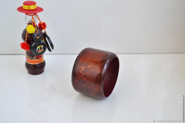Браслет деревянный В стиле Лабутен