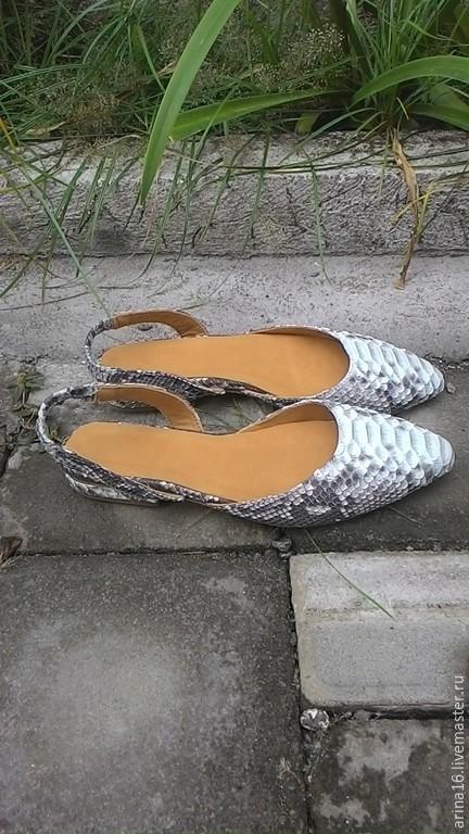 Обувь ручной работы. Ярмарка Мастеров - ручная работа. Купить Балетки с открытой пяткой. Handmade. Серый, туфли из питона