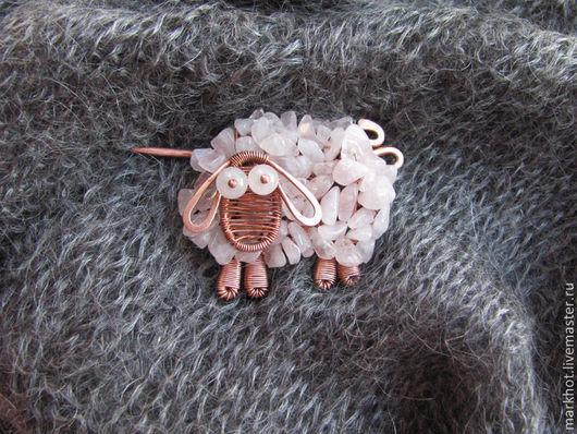 """Броши ручной работы. Ярмарка Мастеров - ручная работа. Купить Брошь из меди и розового кварца """"Розовая овечка"""". Handmade. овечка"""