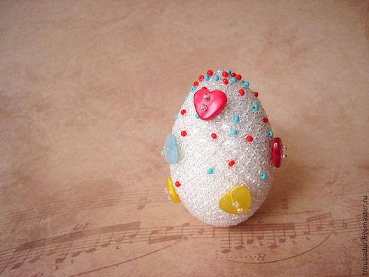 """Яйца ручной работы. Ярмарка Мастеров - ручная работа. Купить Яйцо """"Сахарное"""". Handmade. Разноцветный, подарок, белый, бисер чешский"""