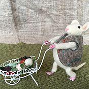 Куклы и игрушки ручной работы. Ярмарка Мастеров - ручная работа Мышь садовник. Handmade.