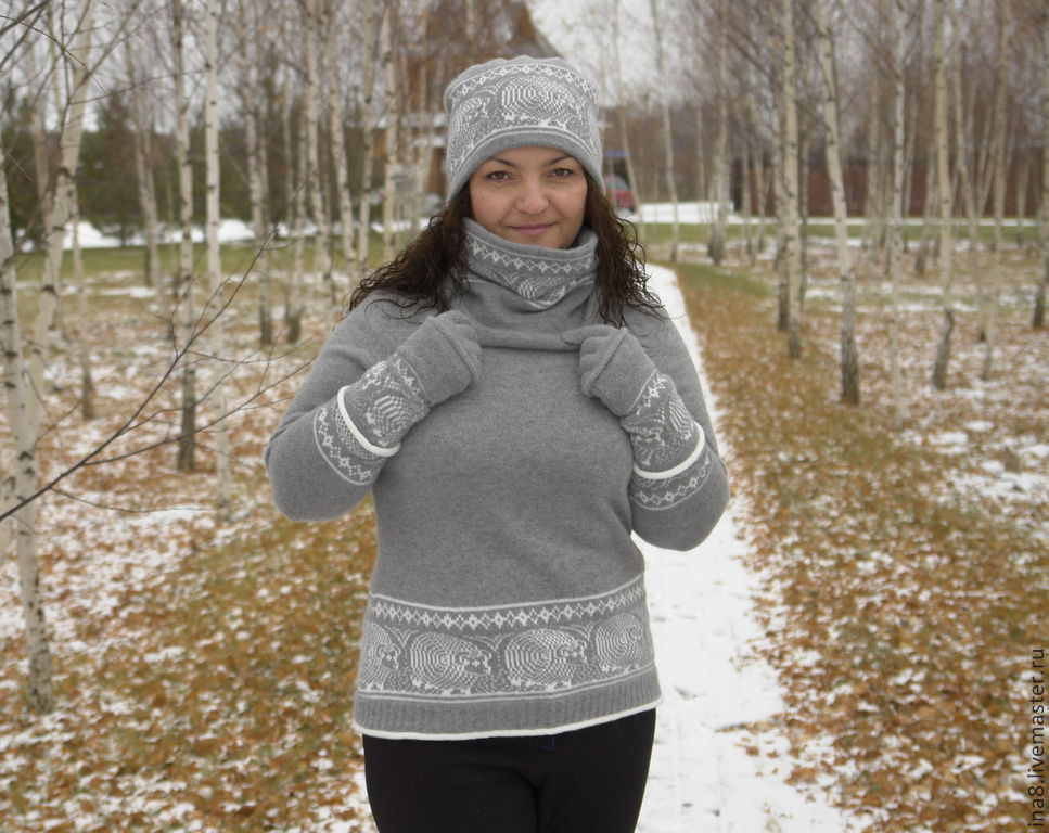 Winter fashion Sweater with hood Sweater and Snood Winter set