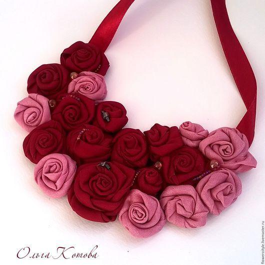 Колье, бусы ручной работы. Ярмарка Мастеров - ручная работа. Купить Колье текстильное Чайная роза и марсала Цветы из ткани. Handmade.