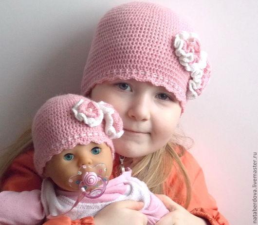 """Шапки и шарфы ручной работы. Ярмарка Мастеров - ручная работа. Купить Вязаная шапочка для девочки и ее любимой куклы """"Моя жемчужинка"""". Handmade."""