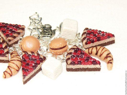 Браслеты ручной работы. Ярмарка Мастеров - ручная работа. Купить Чарм-браслет Ягодный торт. Handmade. Кейк, тортик, десерт