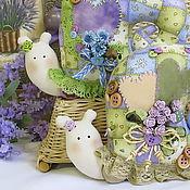 Куклы и игрушки ручной работы. Ярмарка Мастеров - ручная работа Тильда Улитки Весенний лоскуток. Handmade.