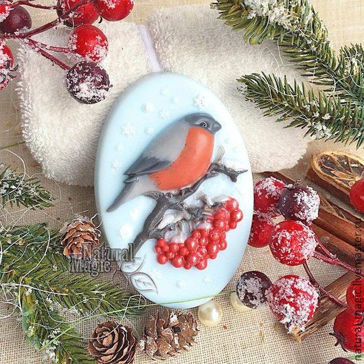"""Мыло ручной работы. Ярмарка Мастеров - ручная работа. Купить сувенирное мыло """"Снегирь"""" ручной работы. Handmade. Голубой, снегирь"""