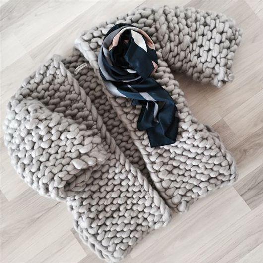 Кофты и свитера ручной работы. Ярмарка Мастеров - ручная работа. Купить Кардиган крупной вязки из мериноса. Handmade. Кардиган вязаный