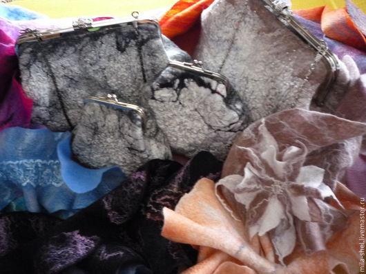 """Женские сумки ручной работы. Ярмарка Мастеров - ручная работа. Купить клатч """"ридикюль-каракуль"""". Handmade. Косметичка, сумка валяная"""