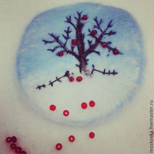 """Броши ручной работы. Ярмарка Мастеров - ручная работа. Купить Вдохновляющая брошь""""Яблоки на снегу"""", войлок. Handmade. Комбинированный, яблоня, украшение"""
