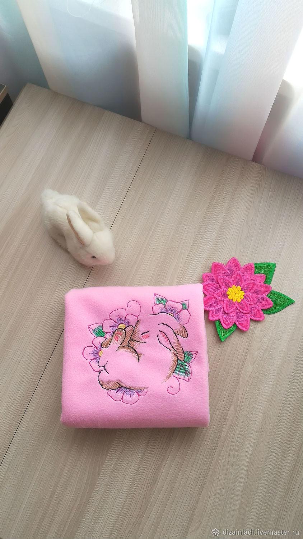 Подарки для новорожденных, ручной работы. Ярмарка Мастеров - ручная работа. Купить Розовый детский плед с вышивкой. Handmade. Розовый