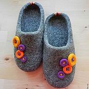 """Обувь ручной работы. Ярмарка Мастеров - ручная работа Тапки валяные домашние """"Пуговки"""". Handmade."""