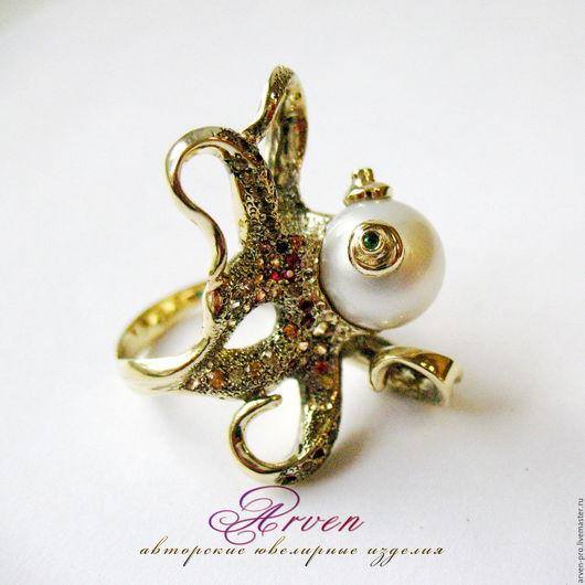 Авторское золотое кольцо `Осьминог` с жемчужиной Мобе и сапфирами. Для примера.