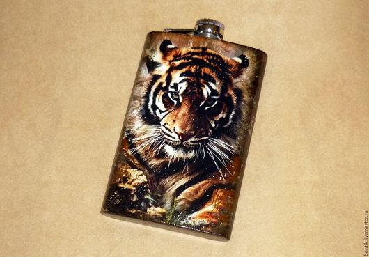 """Подарки для мужчин, ручной работы. Ярмарка Мастеров - ручная работа. Купить Фляга """"Тигр"""". Handmade. Фляга, тигр, фляжка декупаж"""