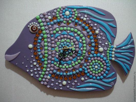 Часы для дома ручной работы. Ярмарка Мастеров - ручная работа. Купить Морская рыбка-часы. Handmade. Сиреневый, лиловая, стеклянная