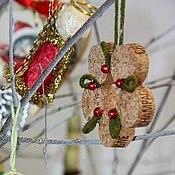 Подарки к праздникам ручной работы. Ярмарка Мастеров - ручная работа Елочные игрушки из пробок. Handmade.
