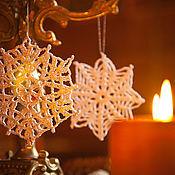"""Подарки к праздникам ручной работы. Ярмарка Мастеров - ручная работа """"А снег идёт, а снег идёт..."""" набор снежинок в подарочной коробочке. Handmade."""