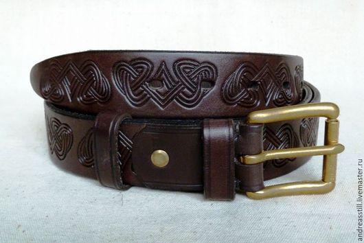 Пояса, ремни ручной работы. Ярмарка Мастеров - ручная работа. Купить Мужской кожаный ремень с кельтским узором. Handmade. Коричневый