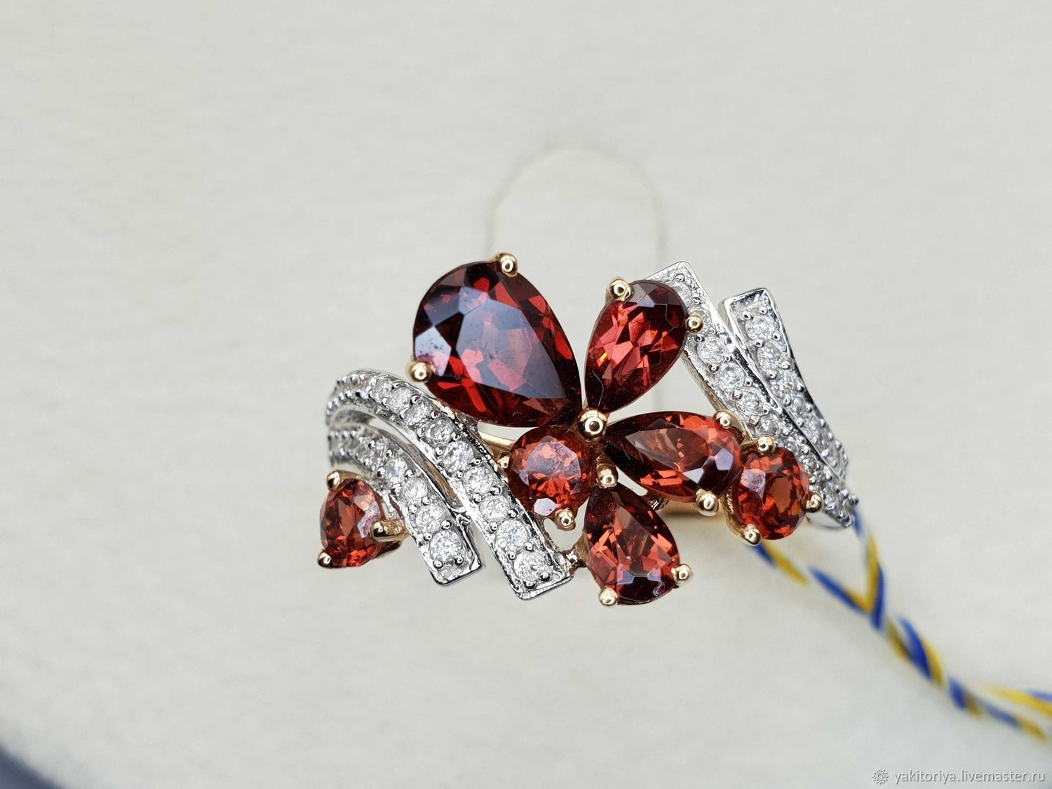 Gold ring with 2,202 Ct garnets and 0,243 Ct diamonds, Rings, Moscow,  Фото №1