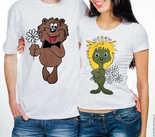 """Футболки, майки ручной работы. Ярмарка Мастеров - ручная работа. Купить Парные футболки  для влюбленных """"Ежик и медвежоноК"""". Handmade."""