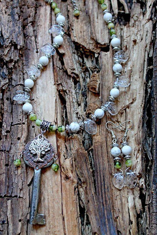 Комплекты украшений ручной работы. Ярмарка Мастеров - ручная работа. Купить Колье и серьги с натуральными камнями и ключом Белое древо. Handmade.