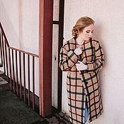 Одежда ручной работы. Ярмарка Мастеров - ручная работа Демисезонное (зимнее) пальто, бежевое в чёрно-бордовую клетку. Handmade.