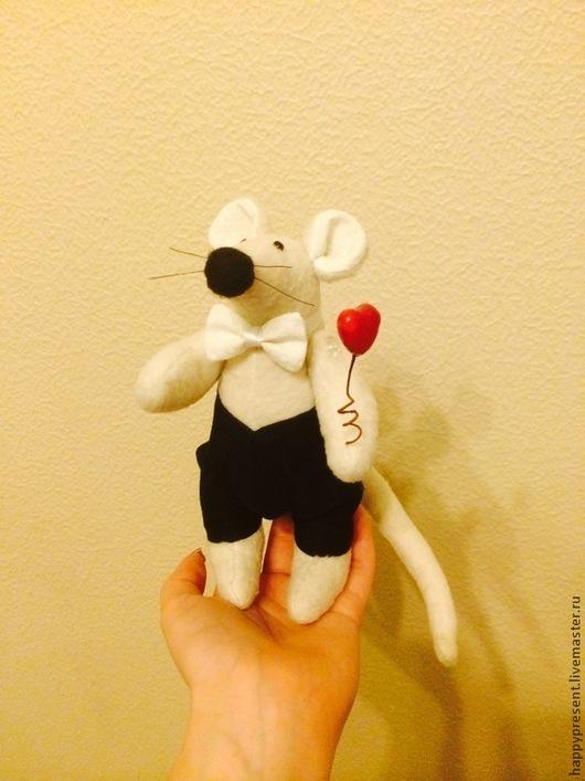 Игрушки животные, ручной работы. Ярмарка Мастеров - ручная работа. Купить Влюбленный Крысик Валентин. Handmade. Бежевый, крыса игрушка