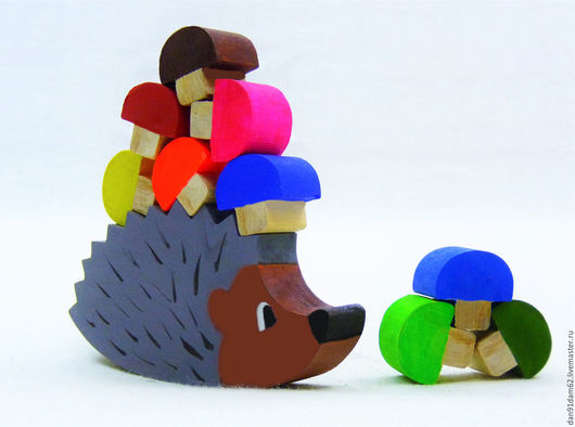 Развивающие игрушки ручной работы. Ярмарка Мастеров - ручная работа. Купить Ёжик с грибочками. Handmade. Серый, грибочки, игрушка из дерева
