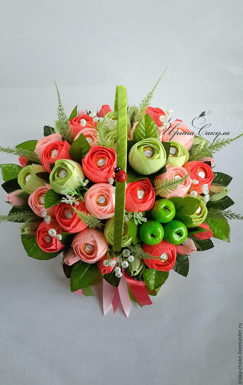 Конфеты ручной работы и цветы
