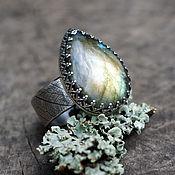 "Кольцо ""Капля леса"", серебро, лабрадор"