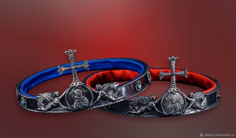 Венцы изготавливаются по вашим индивидуальным размерам.  Внутри обтянуты французским шелком. Для украшения используются полудрагоценные камни (топазы, гранаты).