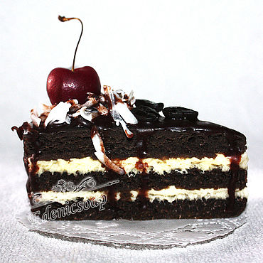 """Косметика ручной работы. Ярмарка Мастеров - ручная работа """"Вишня в шоколаде"""" мыло ручная работа подарок торт сладость. Handmade."""