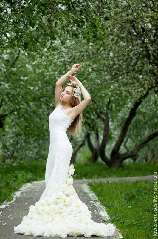 """Платья ручной работы. Ярмарка Мастеров - ручная работа. Купить Платье цвета """"айвори"""". Handmade. Бежевый, гипюр стрейч, розы"""