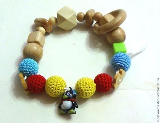 """Развивающие игрушки ручной работы. Ярмарка Мастеров - ручная работа. Купить Развивающая игрушка грызунок с бубенчиком """"Пингвин"""". Handmade."""