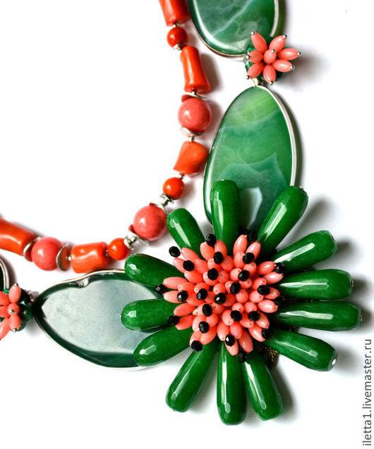 """Колье, бусы ручной работы. Ярмарка Мастеров - ручная работа. Купить Колье """" Цветы"""" (Коралл,перламутр,агат,малахит). Handmade."""