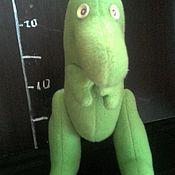 Куклы и игрушки ручной работы. Ярмарка Мастеров - ручная работа Игрушка Динозаврик из флиса. Handmade.