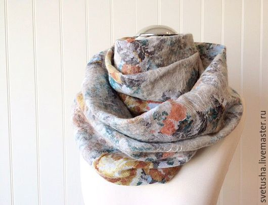 """Шали, палантины ручной работы. Ярмарка Мастеров - ручная работа. Купить Снуд валяный шарф """"Тёплые нежные розы"""" войлочный снуд шерстяной шарф. Handmade."""