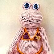 Куклы и игрушки ручной работы. Ярмарка Мастеров - ручная работа Вязаная игрушка Розовая лягушка Клара. Handmade.