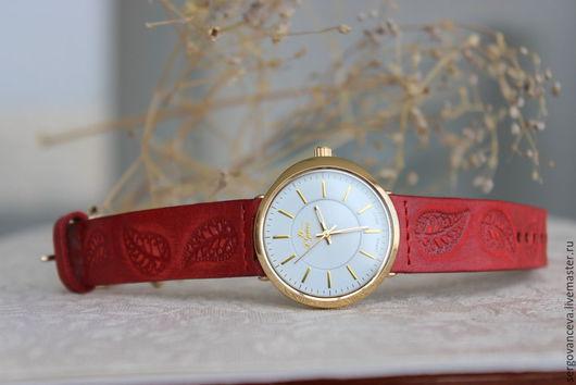 """Часы ручной работы. Ярмарка Мастеров - ручная работа. Купить Часы наручные """"Прекрасный красный"""". Handmade. Ярко-красный"""