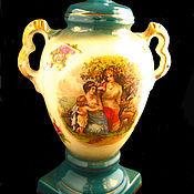 Старинная английская ваза с античным мотивом