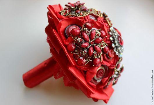 Свадебные цветы ручной работы. Ярмарка Мастеров - ручная работа. Купить Красный брошь-букет для страстных натур. Handmade. handmade