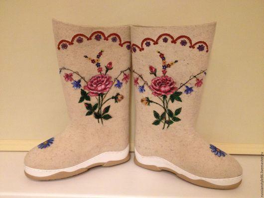Обувь ручной работы. Ярмарка Мастеров - ручная работа. Купить Валенки к павловопосадскому платку. Handmade. Чёрно-белый, розы, пионы