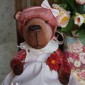 Куклы и игрушки ручной работы. Ярмарка Мастеров - ручная работа Дуняша - коллекционный плюшевый медвежонок. Handmade.