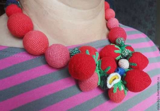 """Колье, бусы ручной работы. Ярмарка Мастеров - ручная работа. Купить бусы """"ягодные красные"""". Handmade. Ярко-красный, брусничный"""