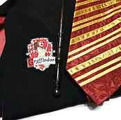 Подарки к праздникам ручной работы. Ярмарка Мастеров - ручная работа Мантия Гарри Поттера Палочка галстук Гриффиндор Черный плащ мага. Handmade.