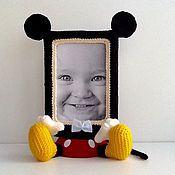 Для дома и интерьера ручной работы. Ярмарка Мастеров - ручная работа Вязаная фоторамка мышонок Микки Маус. Handmade.