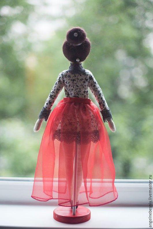 Куклы Тильды ручной работы. Ярмарка Мастеров - ручная работа. Купить Бал. Handmade. Ярко-красный, кукла в подарок