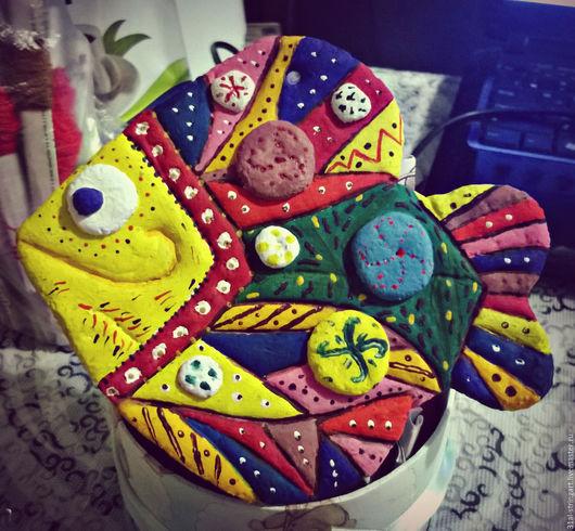 Интерьерные  маски ручной работы. Ярмарка Мастеров - ручная работа. Купить Подвеска ручной работы из соленого теста Чудо-рыбка. Handmade.